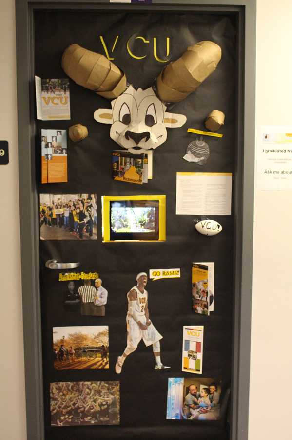 College Door Decorating Contest Hhs Media