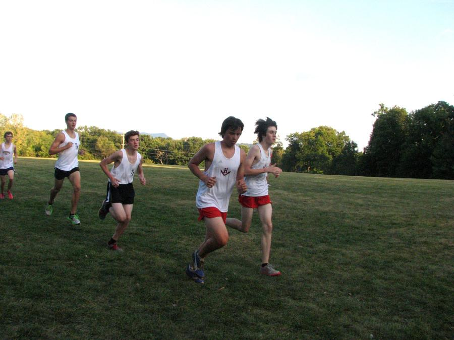 The+HHS+cross+country+team+during+their+season.+