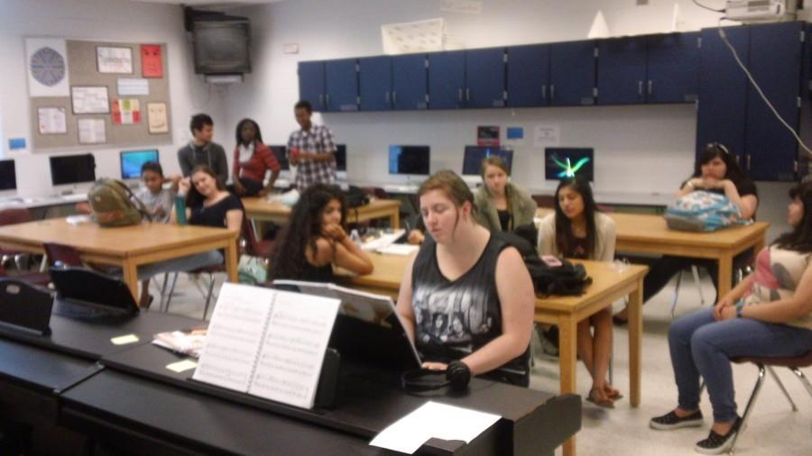 Piano+I+seniors+take+exam+early