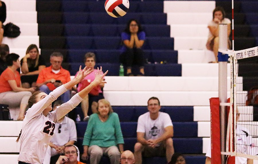 Ella Kearney sets the ball back over the net after the Judges hit.