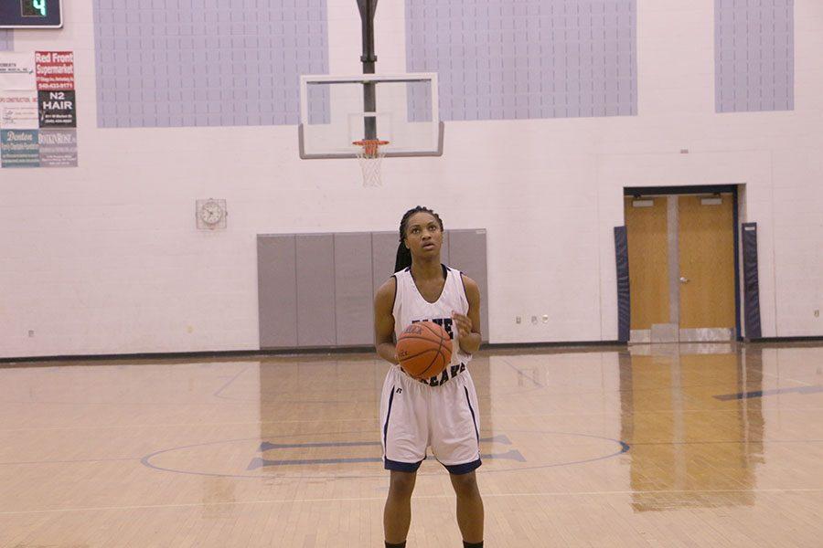 Desia Buckner prepares to shoot free throw.