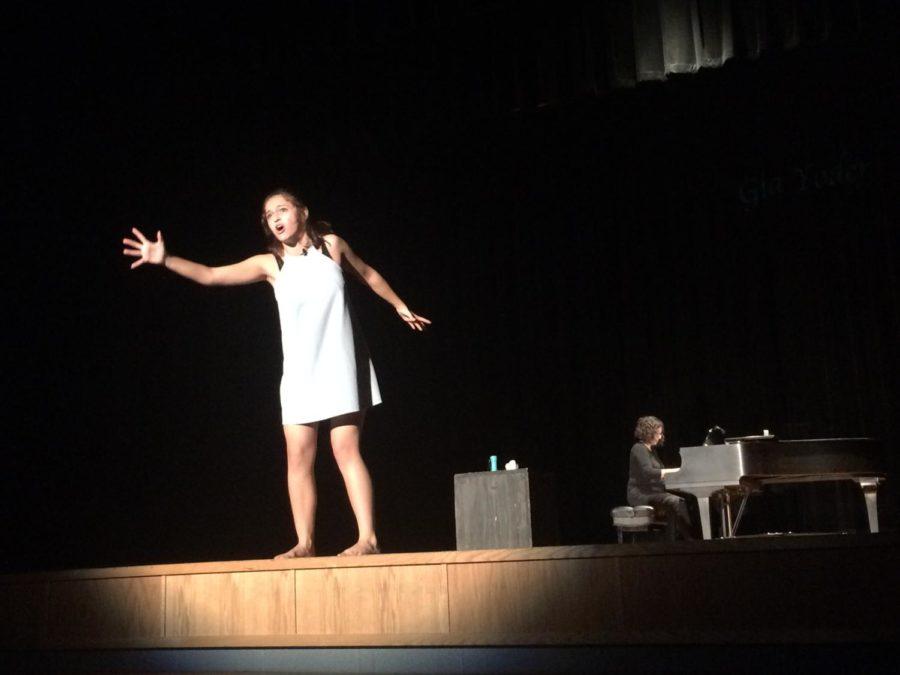 Sophomore Gia Yoder performs