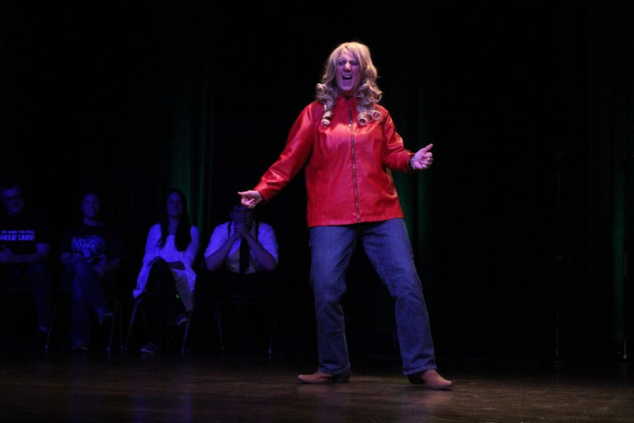 Tamra+Atkins+sings+%22Before+He+Cheats%22+by+Carrie+Underwood+in+the+third+annual+Harrisonburg+Lip+Sync+Battle.+All+the+proceeds+were+donated+to+Any+Given+Child.