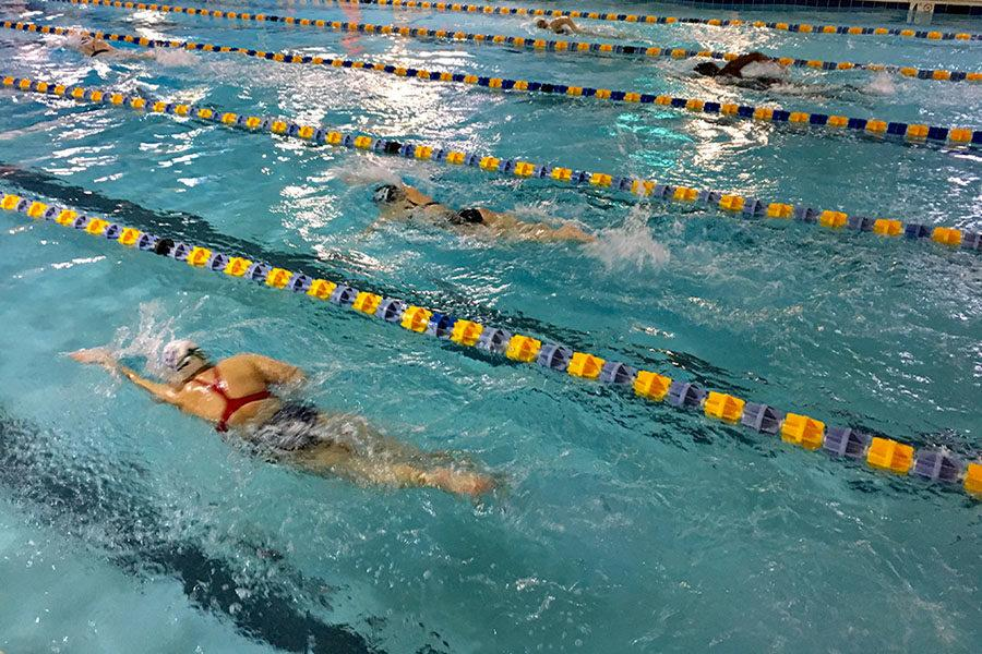 Christa Cole competes in the 400 meter freestyle.