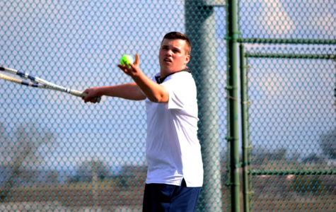 Sy develops deep friendships through tennis team