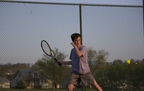HHS Tennis wins 9-0 against Fort Defiance.