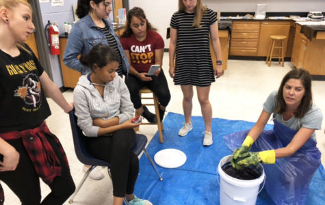 Smith ties up end of the year with tie-dye activity
