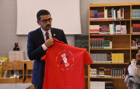 Virginia Secretary of Education visits GEAR UP students