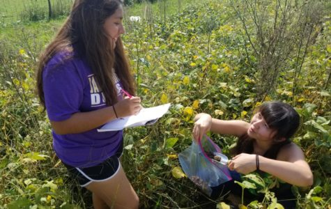 Biotechnology class collects soil samples from local farms