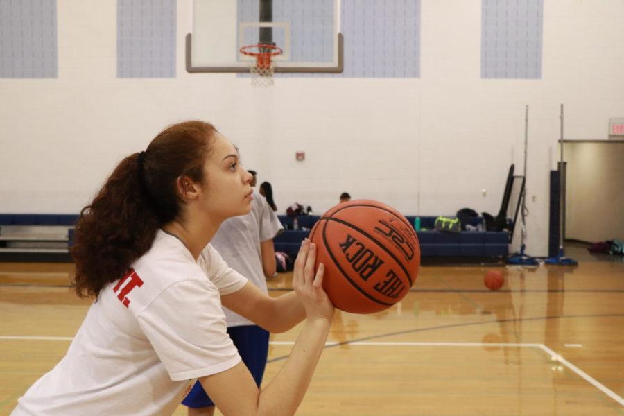 Freshman Mariah Cain shoots her foul shot.