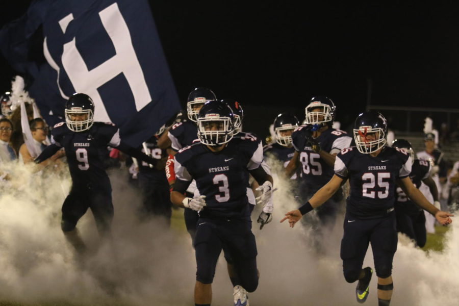 The Streaks take the field prior to their game against Turner Ashby. Harrisonburg won the contest 37-0.