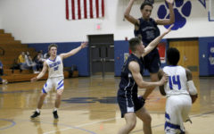 Varsity Streaks defeat Rockbridge 55-45 in low-scoring game