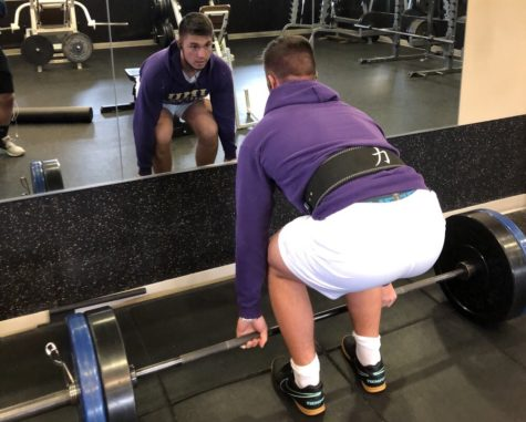 Peric prepares for powerlifting competition