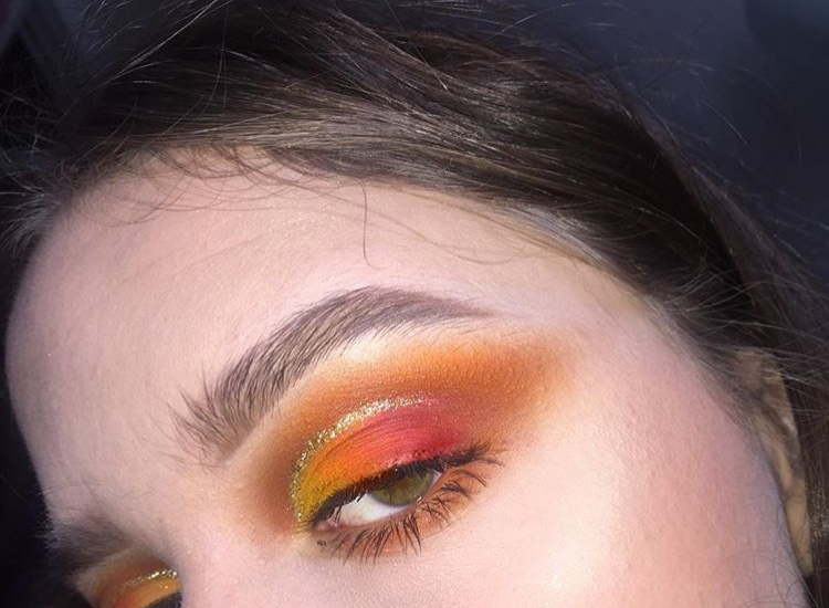 Junior+Ruby+North-Sandel+shows+off+one+of+her+bright+eyeshadow+looks.+North-Sandel%27s+makeup+Instagram+account+is+%40rubysmakeupp.+