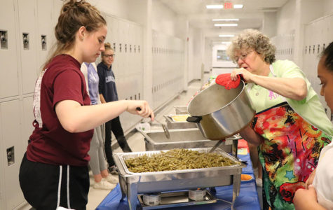 Newsstreak hosts community service luncheon for teachers