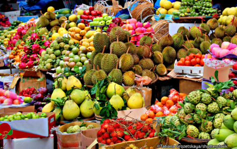 Dany T-Medhin reviews all kinds of fruits.