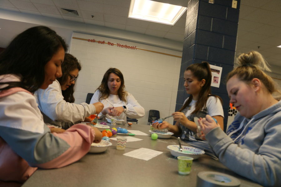 To incorporate chemistry into the event girls made their own bath bombs from scratch.