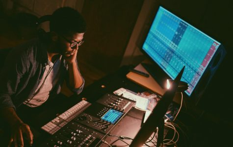 Thomas pursues music career, obtains inspiration through life