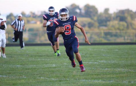 Varsity football succumbs to John Handley Judges