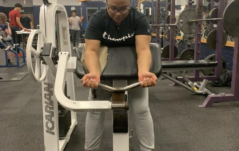 Diaz joins weightlifting, defies stereotypes