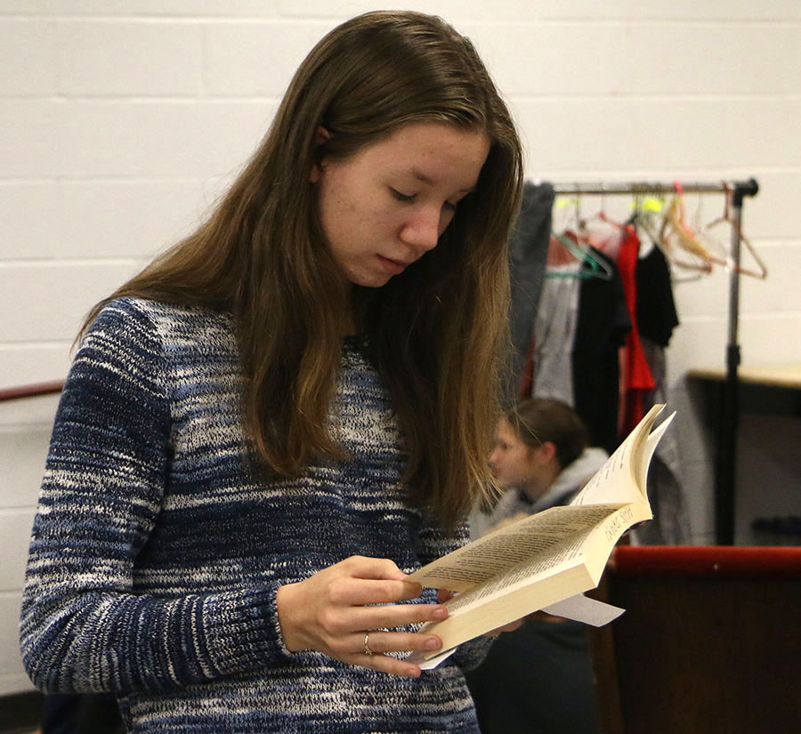 Senior Julia Lawton searches for a monologue.