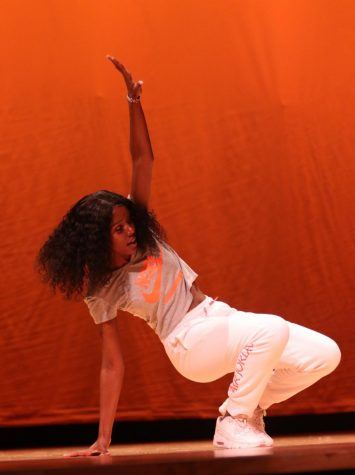 Sophomore Noel Parakuo performs an African and Spanish inspired dance. She also performed with sophomore Laura Gonzalez Dutor, and the duo placed third overall.