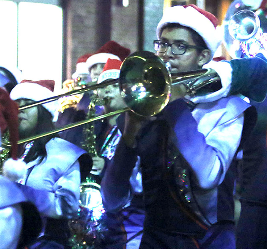 xmasparade_spears3