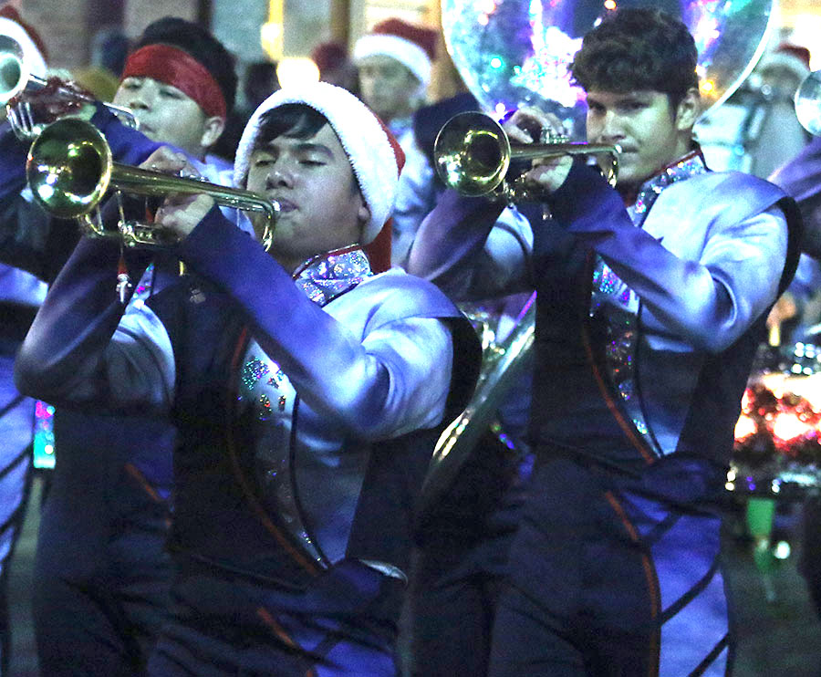 xmasparade_spears4