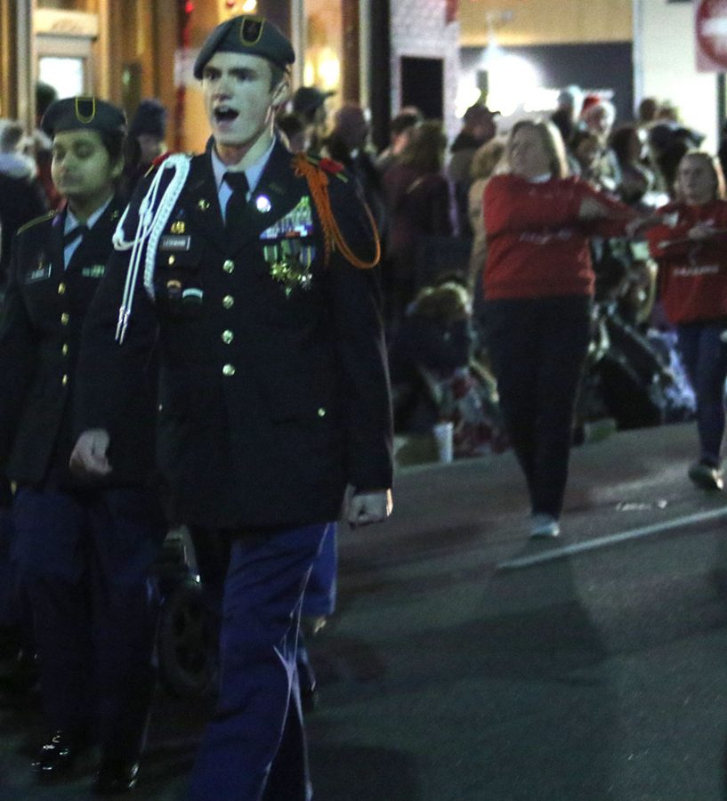 xmasparade_spears7