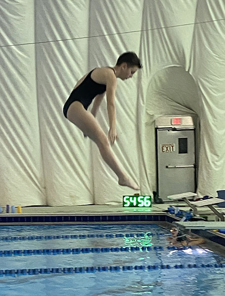 Dive athletes practice at Westover pool