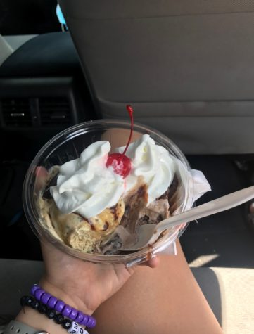 This is a peanut butter sundae from Grammie