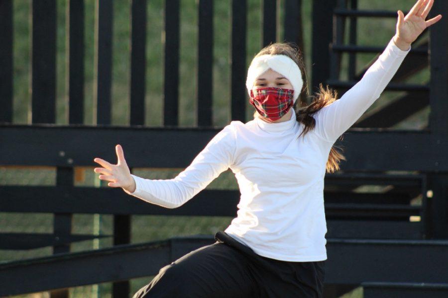 Sophomore Ella Young dances.